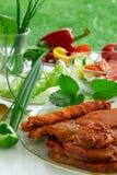 Grillfest och grönsaker. Arkivbild