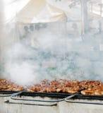 grillfestjätte arkivfoton