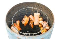 Grillvarkensvlees dat op haak wordt gehangen royalty-vrije stock foto