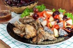 grilowany kurczak sałatkę Fotografia Royalty Free