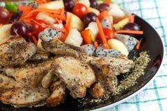 grilowany kurczak sałatkę Obraz Stock