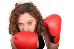 Grimace de femme de boxe Photographie stock libre de droits