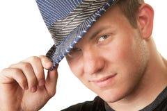 Grimacerie de l'homme dans le chapeau de Fedora Photo stock