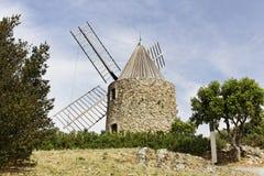 Grimaud, il mulino a vento di Roch del XVII secolo del san Immagine Stock