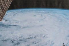 Grimmige en tot bezinning komende mening van Orkaan Florence van ruimtecamera royalty-vrije stock afbeeldingen