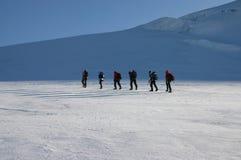 Grimpeurs de montagne photo stock
