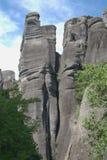 Grimpeurs grecs de falaises de roche de montagne de meteora Photos libres de droits