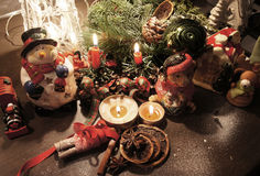 Grinalda bonita do Natal com velas Fotos de Stock