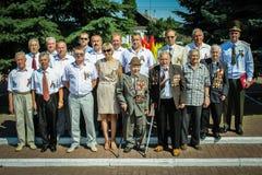 Grinalda-colocação e cerimonia comemorativa no Dia da Independência do Republic of Belarus Gomel região no 3 de julho de 2016 Fotografia de Stock
