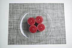 Grinalda do advento de Minimalistic, quatro velas na placa de vidro Imagem de Stock