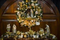 Grinalda do Natal com cena da natividade fotos de stock royalty free