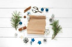 Grinalda do Natal isolada no fundo branco Imagem de Stock Royalty Free