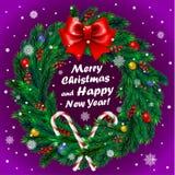 Grinalda do Natal no fundo roxo Imagens de Stock