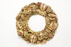 Grinalda dourada do Natal isolada Foto de Stock Royalty Free