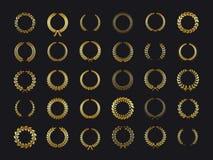 Grinaldas dos louros do ouro O louro verde-oliva da grinalda do carvalho do trigo foliáceo dourado do louro sae do vetor da etiq ilustração royalty free