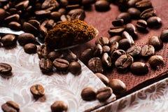 grinded的咖啡 匙子地面coffe 库存照片