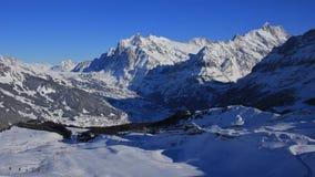Grindelwald nei pendii dello sci e di inverno Immagini Stock