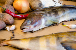 Grinlings-Fischkartoffelzwiebelknoblauch-Zitronenpfeffer Lizenzfreie Stockfotos