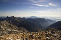 从Grintovec的看法,卡姆尼克萨维尼亚河阿尔卑斯高山  免版税库存图片