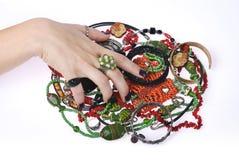 gripande smyckenkvinna Arkivbilder
