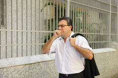 Gripe: Tossir do homem Imagens de Stock Royalty Free