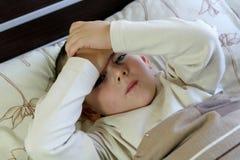 Gripe y dolor de cabeza foto de archivo