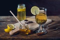 Gripe y medicina para el resfriado naturales Fotografía de archivo