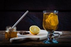 Gripe y medicina para el resfriado naturales Foto de archivo libre de regalías