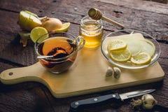 Gripe y medicina para el resfriado naturales Fotografía de archivo libre de regalías