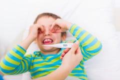 Grippe avec la fièvre image stock