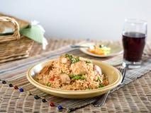 Griskött med grönsak stekte ris Arkivbilder