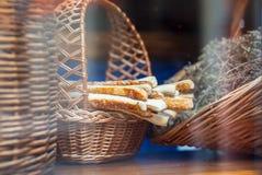 Grissini Breadsticks, zakrywający Chlebowi kije Domowej roboty Breadsticks zdjęcia royalty free