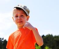 Griterío del niño pequeño al aire libre Fotografía de archivo libre de regalías