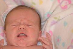 Grito del bebé imagen de archivo