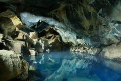 Grjotagja grotta i Island arkivbild