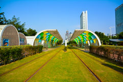 Grön energi - besparingbussstation (det stads- kollektivtrafiksystemet) Royaltyfri Bild