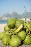 Grön kokosnötIpanema strand Rio de Janeiro Brazil Arkivbilder