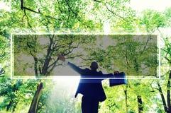 Grön lycka Forest Freedom Concept för affärsframgång Fotografering för Bildbyråer