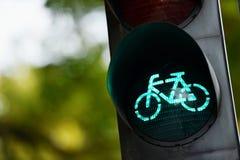 Grön trafikljus för cyklar Arkivfoton