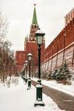 Gränd Alexander Garden nära väggarna av MoskvaKreml, Rus Royaltyfri Foto