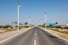 Gränd på det Masdar institutet av vetenskap och teknik Arkivbilder