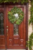 Grüner Feiertags-Weihnachtskranz Lizenzfreie Stockbilder