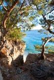 Großartige Ansicht von adriatischem Meer von der Steinklippe in Dalmatien Lizenzfreie Stockfotografie