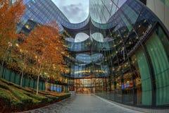 Großartige Bürogebäude auf mehr London-Flussufer, London Stockbilder