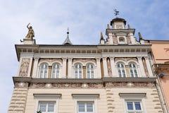 Großartige Fassade quadratischen Gebäudes Krakaus Stockbilder