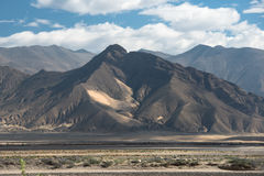 Großartige Gebirgslandschaft auf der Wanderung des Mount Everest-niedrigen Lagers durch den Himalaja Lizenzfreies Stockfoto