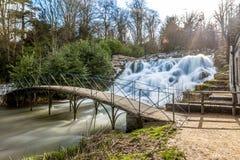 Großartige Kaskade und Wasserfälle von Blenheim-Palast in Oxfordshire, Stockfotografie