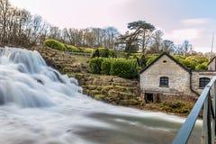 Großartige Kaskade und Wasserfälle von Blenheim-Palast in Oxfordshire, Lizenzfreies Stockfoto