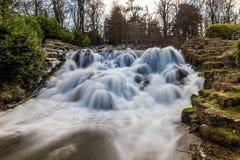 Großartige Kaskade und Wasserfälle von Blenheim-Palast in Oxfordshire, Stockbild