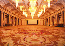 Großartige luxuriöse Hotelhalle lizenzfreie stockbilder